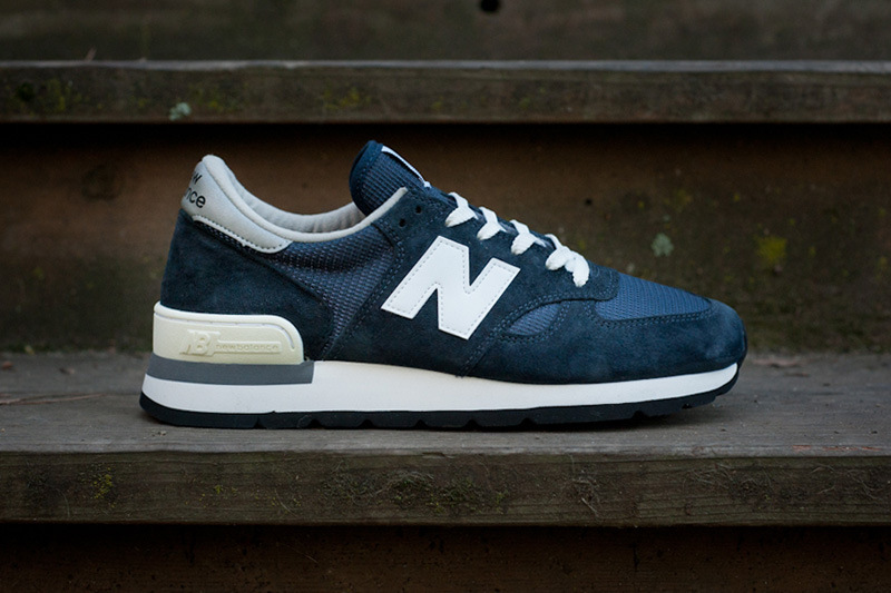 new-balance-990-made-in-usa-navy-30th-anniversary-re-issue-1