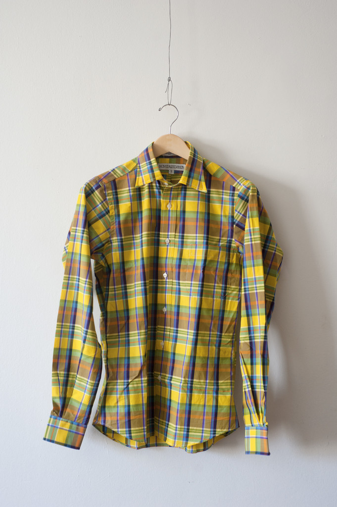 Crafted_American_Inland_Clothing_individualized-yellow-detail_full